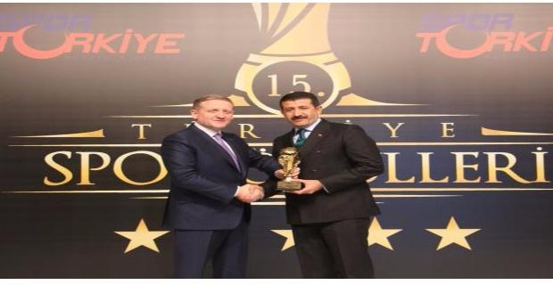 Başkan Ekinci 'ye Yılın Yönetici Ödülü