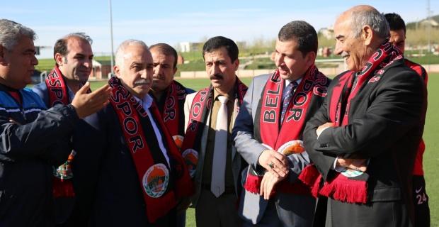 Başkan Baydilli ve Fakıbaba'dan Karaköprü Belediyespor'a destek