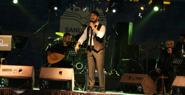 Cumali Özkaya konseri yoğun ilgi gördü