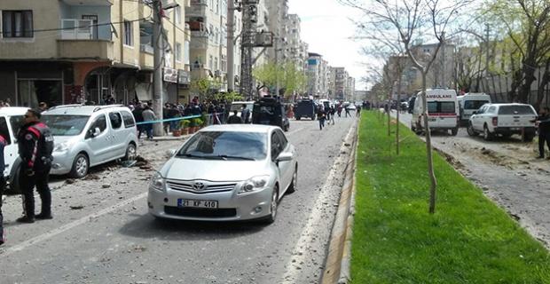 Diyarbakır'daki Patlamada Bir Sivil Hayatını Kaybetti