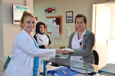 Uz. Dr. Melis Kurt Başarılı Hizmetleri ile Göz Dolduruyor