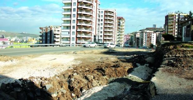 Karaköprü'de Yol Ve İnternet İsyanı
