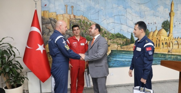 Türk Yıldızları Ekibi Gösteri Öncesi Şanlıurfa'da