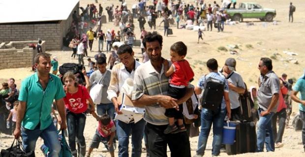106 binden fazla mültecinin Suriye'ye geçtiği bildirildi.
