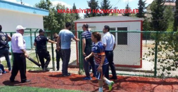 Kadınlar ligi karıştı… Futbolcular hakemi kovaladı