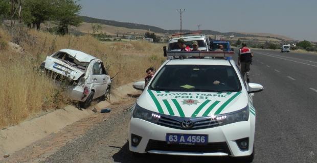 Otomobil takla attı: 1'i ağır 2 yaralı