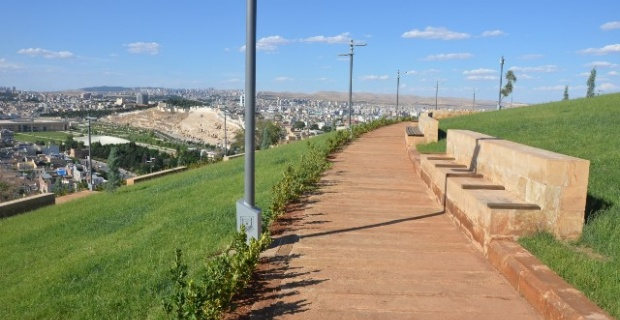 """""""Urfa Kale Eteği Kaya Mezarları Restorasyon ve Çevre Düzenlemesi Projesi""""nde sona gelindi."""