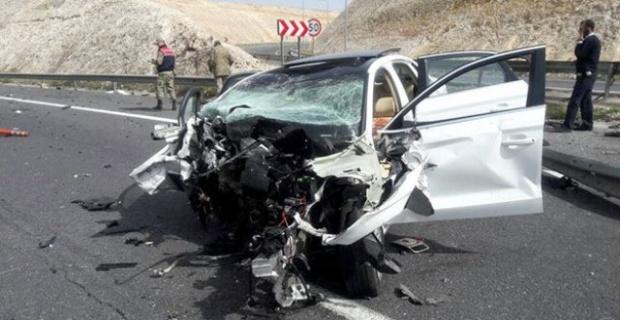 Zincirleme Kaza: 2 Ölü, 3 Yaralı