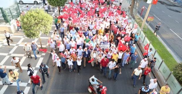 Eyyübiyeli Gençlerden Demokrasi Yürüyüşü.