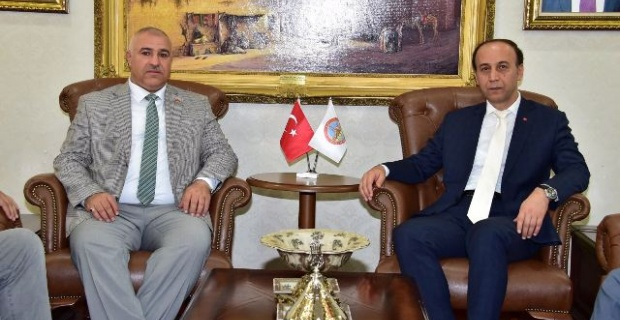 TÜMSİAD Başkanları Şanlıurfa Valisi Abdullah Erin'i ziyaret etti