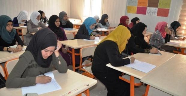 8 bin Suriyeli öğrenci ders başı yaptı