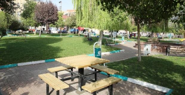 Cuma Gönüllü Parkı Yenileniyor