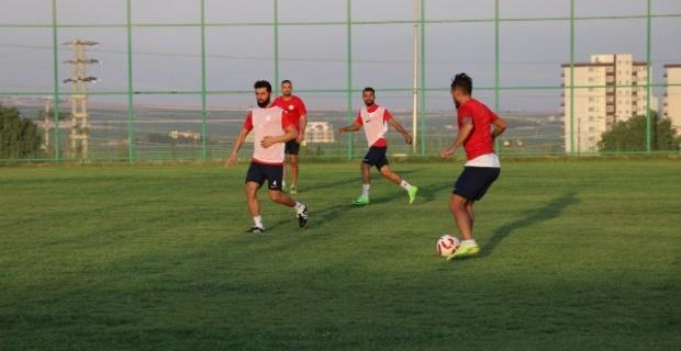 Karaköprü,Arsinspor maçının hazırlıklarını sürdürüyor.