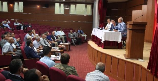 Şanlıurfa'daki muhtarlarla istişare toplantısı yapıldı.