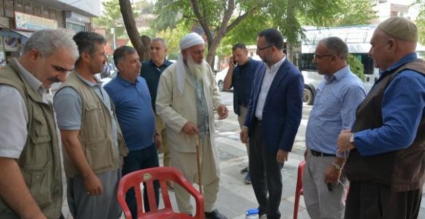 Siverek Belediye Başkanı Yılmaz,vatandaşların taleplerini dinledi.