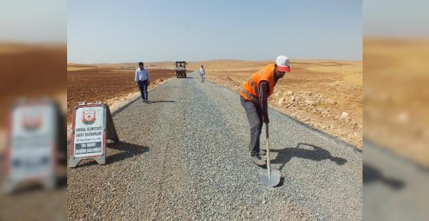 50 kilometrelik yolun 31 kilometrelik bölümü sathi asfalt ile kaplandı.