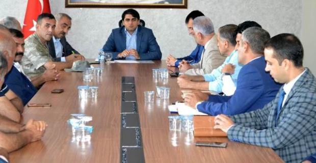Hilvan'da Muhtarlar Toplantısı Yapıldı