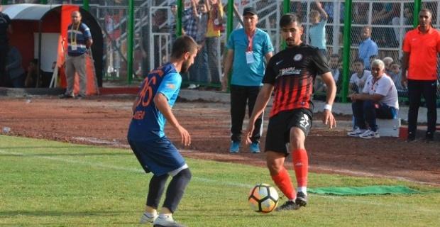 Siverek Belediyespor, Hankendispor'u farklı yendi.