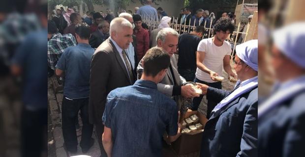 Viranşehir Belediyesi,11 Bin kişiye Aşure dağıttı.