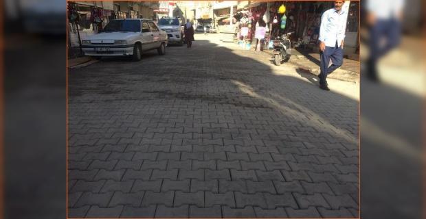 Viranşehir'de deforme olmuş yolları onarılıyor.