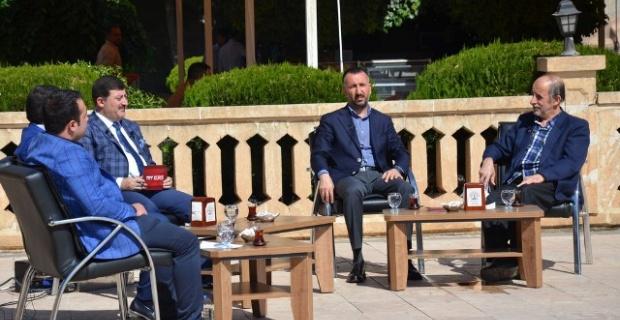 Yılmaz, TRT Kurdî'nin canlı yayın konuğu oldu.