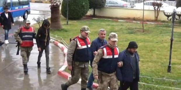 Kobani'ye Geçmeye Çalışan 7 Kişi Yakalandı
