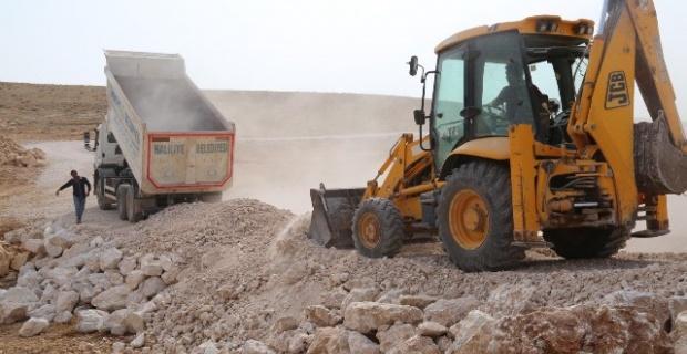 Haliliye'den 260 mahalle ve mezraya yol yatırımı