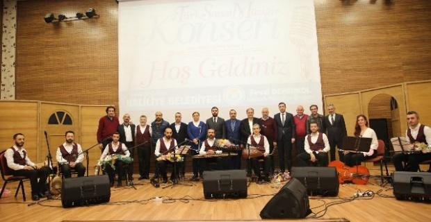 Türk Sanat Müziği Konseri, dinleyenlerin büyük beğenisini topladı.