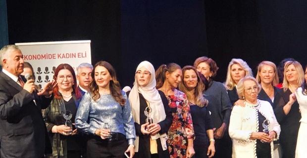 """Yazmacı'ya """"Anadolu'da Fark Yaratan Kadın Girişimci Başarı Ödülü"""""""