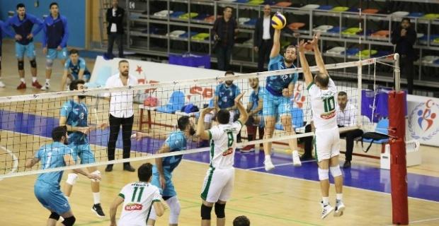 Haliliye,Solhanspor'u 3-1 mağlup ederek liderliği sürdürdü.