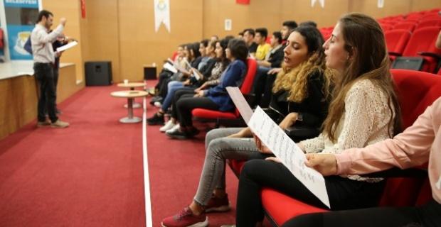 Haliliye,Türk Halk Müziği korosu kuruyor.