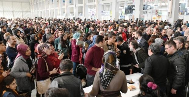 3.Ulusal Şanlıurfa Kitap Fuarı, 375 bin kişinin katılımı ile son buldu.