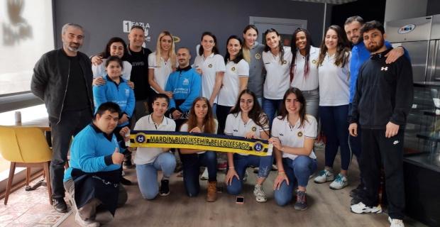Mardin Başakspor Sporcuları Down Cafe'de