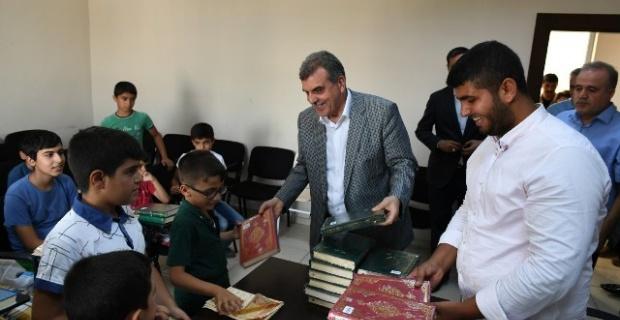 Şanlıurfa Büyükşehir,2020 yılının ilk yarışmasını Kur'an-ı Kerim güzel okuma yarışması ile masa tenisi ve dart turnuvasına ayırdı.