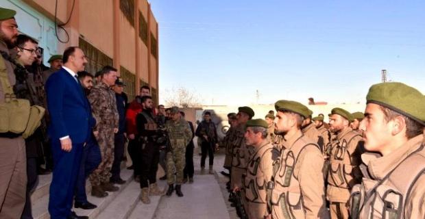 Şanlıurfa Valisi Erin,Tel Abyad Emniyet Müdürlüğü'nü ziyaret etti.