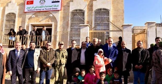 Şanlıurfa Valisi Erin,Tel Abyad Mahalli Meclisi ile Ticaret ve Sanayi Odası'nı ziyaret etti.