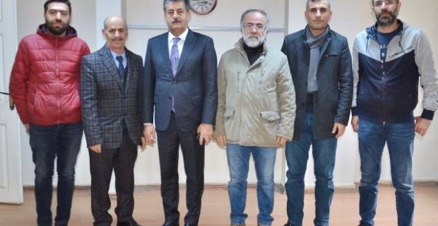 Şırnak Belediye Başkanı Yarka,basın mensuplarının gününü tebrik etti.