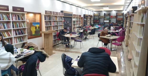ŞURKAV Halilürrahman Kütüphanesi Hizmete Girdi.