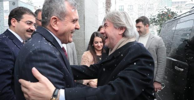 Bakan Yardımcısı Demircan,Başkan Beyazgül'ü Ziyaret Etti.