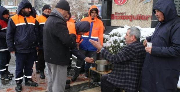 Batman'da Esnaf'tan Belediye Çalışanlarına Çorba İkramı