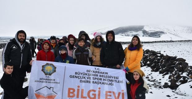 Bilgi Evi Öğrencileri Karacadağ'da