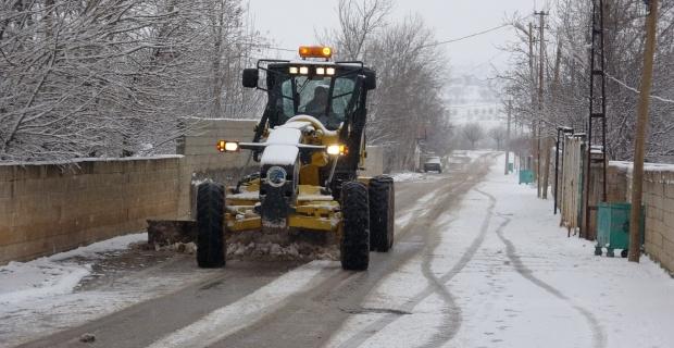 """Bozova Belediyesi """"karla mücadele aralıksız olarak devam ediyor"""""""