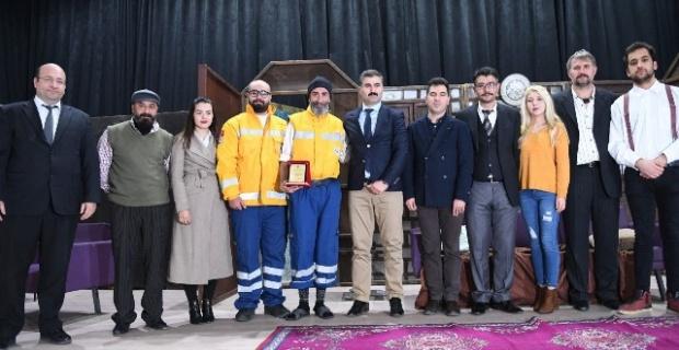 Büyükşehir Belediyesi Şehir tiyatrosundan hükümlüler için özel gösterim