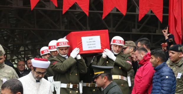 Şehit Uzman Onbaşı Uğur Kurt Gaziantep'te son yolculuğuna uğurlandı.