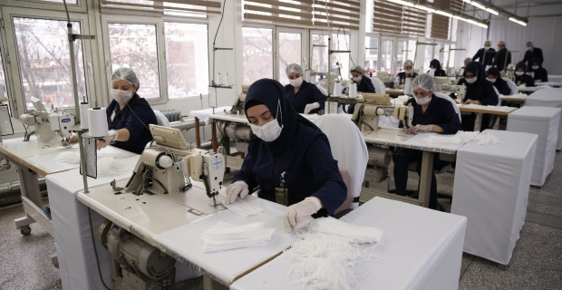 Bakan Akar Talimat Verdi, Maske Üretimi İki Katına Çıkarıldı
