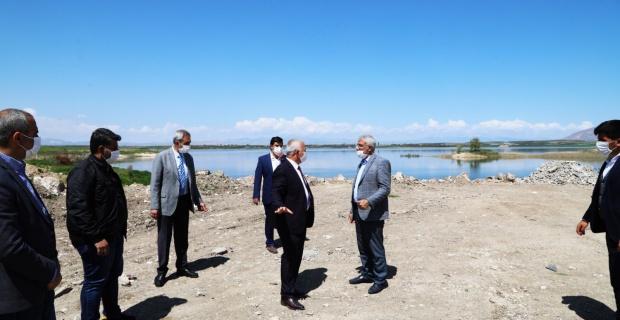 """Battalgazi Belediye Başkanı Güder """"Hasırcı Hidropark Rekreasyon Alanı Düzenlemesi Projesi"""" alanında incelemelerde bulundu."""