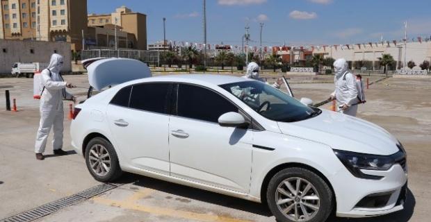 Şanlıurfa'da 15 bine yakın araç dezenfekte edildi.