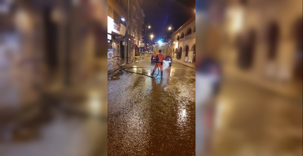 """Battalgazi Belediyesi """"Sizin için yıkarız bu sokakları yeter ki siz Evde Kal'maya devam edin"""""""