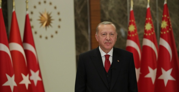 """Cumhurbaşkanı Erdoğan """"ilk öğretmenimiz annelerimizin, Anneler Günü'nü tebrik ediyorum"""""""