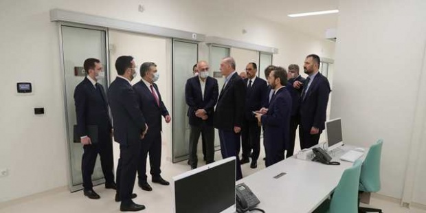 Cumhurbaşkanı Erdoğan, İstanbul'da yapımı devam eden hastanelerde incelemelerde bulundu